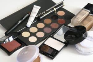 cosmetics-1063134_960_720